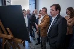 El presidente de la Junta destaca la labor de las pequeñas empresas para que Extremadura dé un gran salto cualitativo.