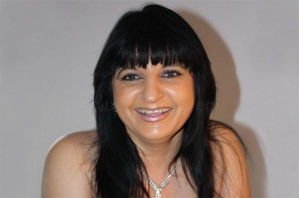 La cantante melillense Solima actúa este viernes en Cerezo (Cáceres) dentro del programa 'Cantando copla'