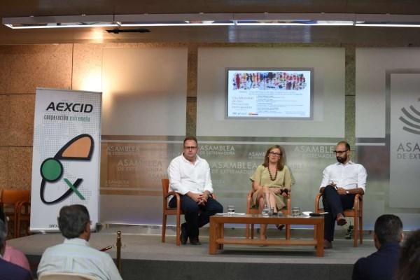 El director de la AEXCID afirma que Extremadura actuará con contundencia ante la intolerancia y el racismo con los refugiados.