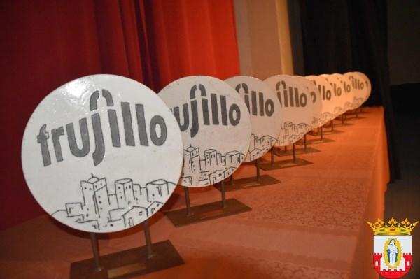 El ayuntamiento de Trujillo, a través de la concejalía de Deportes, celebró este viernes, 1 de diciembre, la XIX Gala del Deporte..