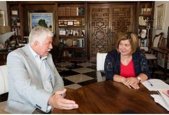 Diputación y Cetarsa acercan posturas en la defensa del tabaco como recurso importante en el desarrollo de la provincia.