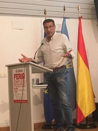 Javier Luna destaca las políticas de empleo para jóvenes de la Junta de Extremadura.