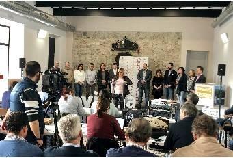 """La presidenta de la Diputación presenta los nuevos presupuestos """"saneados y sin deudas""""."""