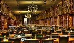 Dos de las bibliotecas más hermosas de España se encuentran en Santiago