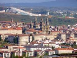 De Compostela ata o Gaiás, roteiro guiado a pé para coñecer a cidade