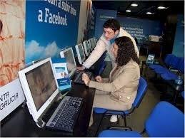 Máis da metade dos galegos  están conectados á banda ancha