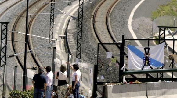 Decepción entre las víctimas de Angrois, que se manifestarán mañana en Santiago