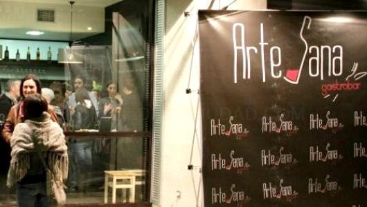 O 'Camiño das Burbullas' permite catar os mellores escumosos galegos en bares de Compostela