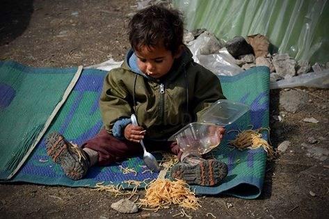 'Refuxiados sen camiño', unha mostra en pleno Obradoiro sobre os sirios de Idomeni