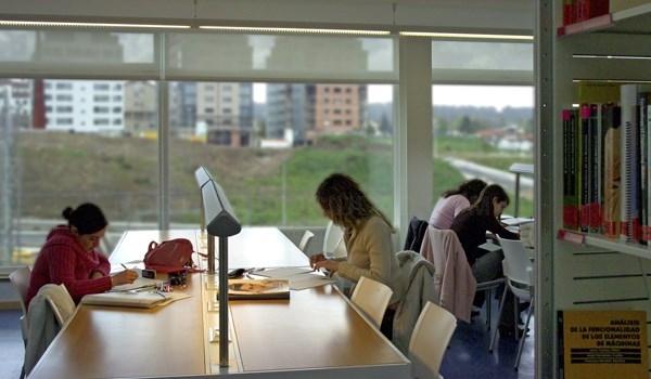 As bibliotecas de Compostela amplian o seu horario ata as tres da mañá para 'estudiantes nocturnos'