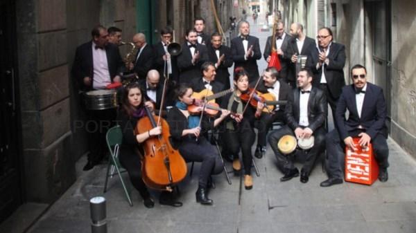 A 'movida' de Artellando chega hoxe a distintos barrios de Compostela