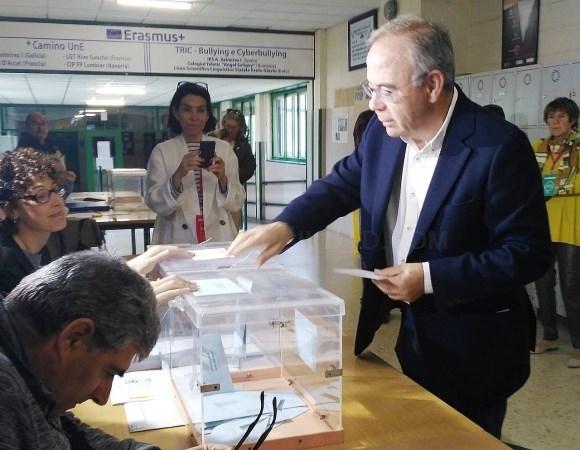 El PSOE de Bugallo gana las elecciones en Santiago