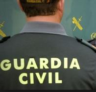 La Guardia Civil ha detenido a dos personas como presuntos autores de un delito de usurpación de estado civil y otro de estafa bancaria.