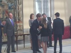 El rey entrega el Premio Princesa Leonor a la regatista del Club Nàutic S'Arenal, Aina Colom, como mejor deportista del año 2014