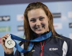 La nadadora mallorquina Melani Costa recibe la insignia Olímpicos IB