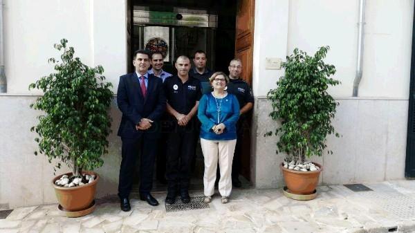La Consellería de Administraciones Públicas presenta el programa de Policía Tutor en el Ayuntamiento de Sant Joan
