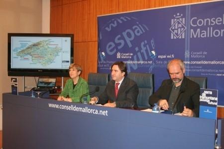 Mauricio Rovira anuncia la ejecución, en 2015, de más de 30 proyectos con un presupuesto de 78 millones para mejorar y conservar las carreteras