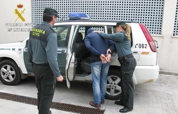 La Guardia Civil detiene a dos hombres por dos agresiones sexuales