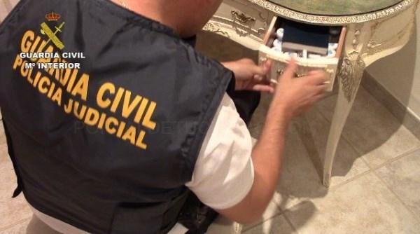 LA GUARDIA CIVIL DESARTICULA UNA ORGANIZACIóN DEDICADA A COMETER ESTAFAS EN EL SECTOR HOSTELERO PARA RECLAMAR INTOXICACIONES ALIMENTARIAS