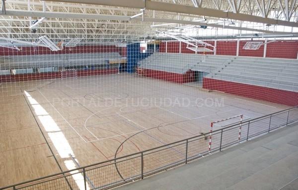 Marchamalo la apertura del nuevo polideportivo y piscina for Piscina cubierta marchamalo