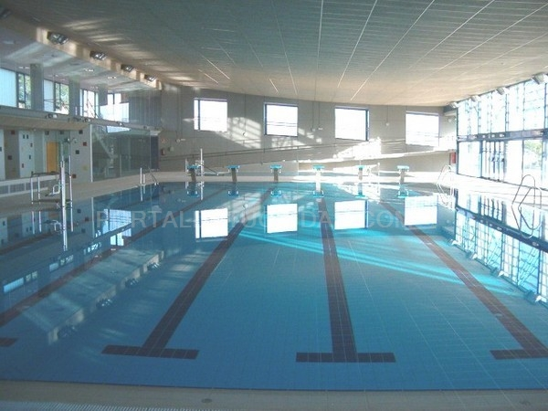 azuqueca de henares reabre al ba o libre la piscina