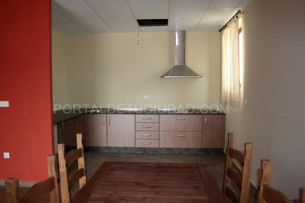 Galeria de fotos fotografia 1 3 viviendas r sticas de - Vivienda modular hormigon ...