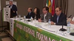 Guillermo Fernández Vara destaca la importancia de la escuela y la familia para el futuro de la sociedad