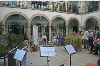 Chelo Sierra, de Torremenga, ganadora del premio Ciudad de Coria de Cuentos 2016 que convoca la Diputación de Cáceres