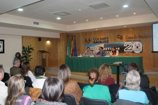 'Voluntarios en cuidados paliativos en Extremadura: una experiencia de trabajo en red'