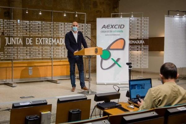 El 2021 será un año de grandes avances y compromisos con la pandemia para la cooperación extremeña, según el director de la AEXCID