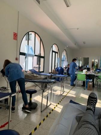 Alumnos de la Residencia Universitaria Hernán Cortés donan sangre