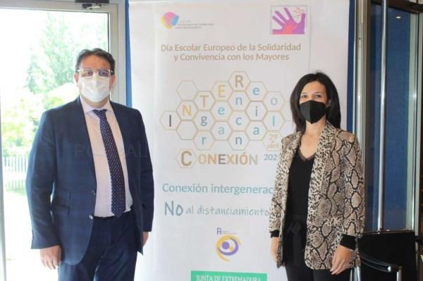 La Junta de Extremadura destaca la importancia de las acciones transversales de conexión intergeneracional