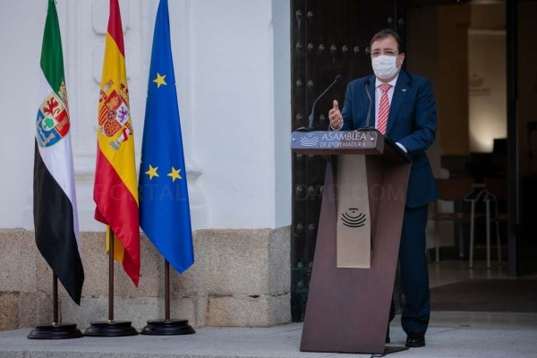 El presidente de la Junta aboga por una financiación justa y por la equidad fiscal en España en el discurso institucional del Día de Extremadura