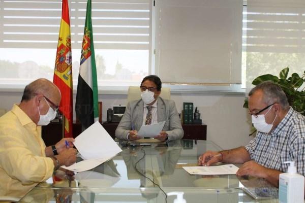La Junta de Extremadura ha decidido que ningún estudiante que deba llevar mascarilla accederá sin ella a un centro educativo