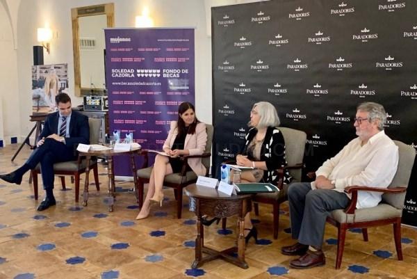 Gil Rosiña destaca que Extremadura es la primera comunidad autónoma que establece una colaboración con el Fondo de Becas Soledad Cazorla Prieto para l