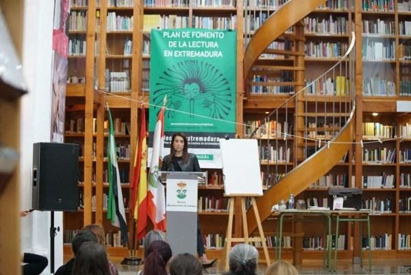 La consejera de Cultura destaca que Extremadura es la comunidad con más bibliotecas por habitante de España