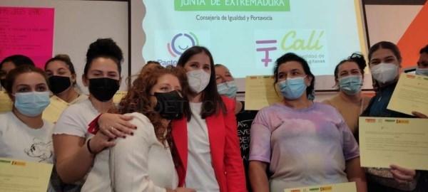 Gil Rosiña clausura el Programa Calí para la inclusión sociolaboral de las mujeres gitanas en Badajoz