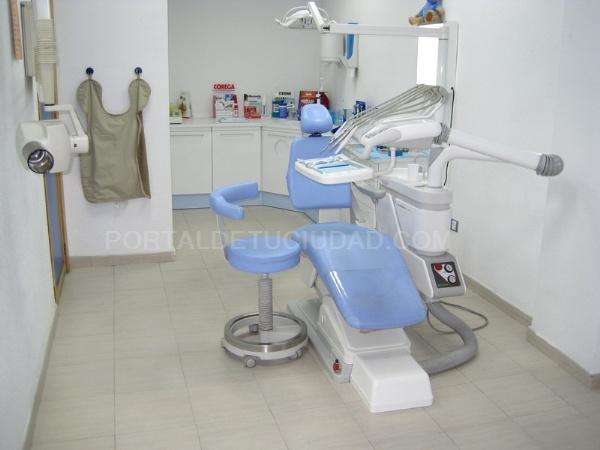 Clínica dental Plusdent
