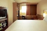 hotel cerca del estadio santiago bernabeu, tanatorio zona norte madrid