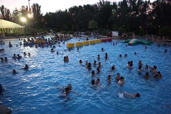 Imagina tu noche de fiesta en la piscina del polideportivo - Piscinas de alcobendas ...