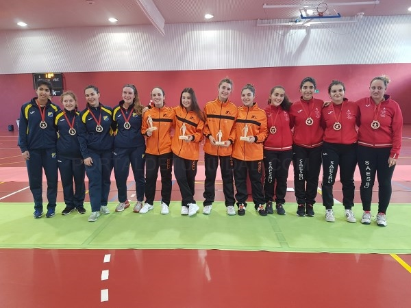 El equipo Junior Femenino oro en la fase Nacional. Clasificado para el Campeonato de España.
