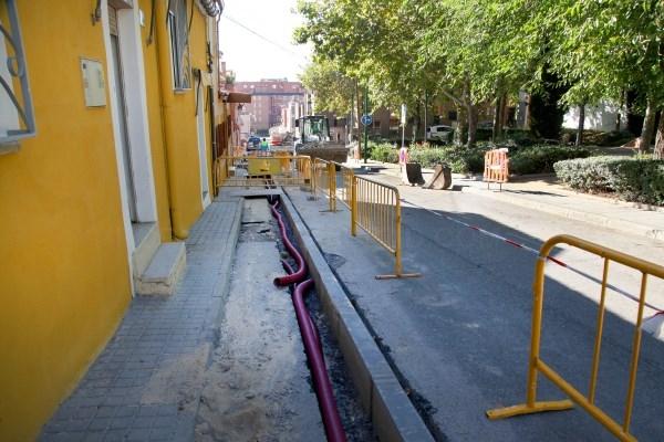 Alcobendas mejora la accesibilidad de la calle Mirasierra con una acera más ancha