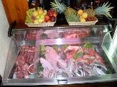 almorzar en los barrios, sopa de marisco, carne, montadito, ensalada,