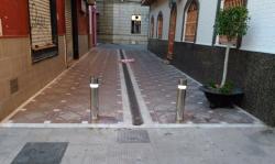 La Línea:  El Ayuntamiento instala en la zona centro los elementos definitivos de seguridad para prevenir atropellos masivos