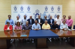 Algeciras: Landaluce se reúne con el Consejo Local de Hermandades y los hermanos mayores de las cofradías