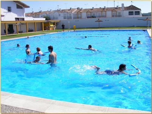 Castellar ma ana jueves abre su temporada la piscina for Piscina municipal vigo