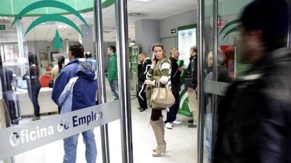 Algeciras: Doce de las quince ciudades españolas con más paro están en Andalucía - http://www.horasur.com/