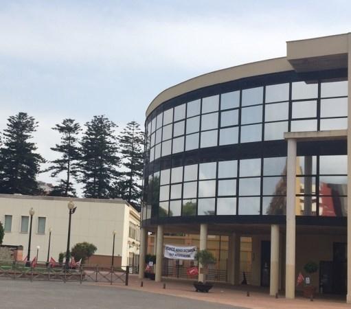 LA LíNEA:  LA MESA DE CONTRATACIóN PROPONE A LA EMPRESA FERRETERíA XEREZ S.L. PARA EL SUMINISTRO DE MATERIALES AL AYUNTAMIENTO POR IMPORTE DE 92.000 E