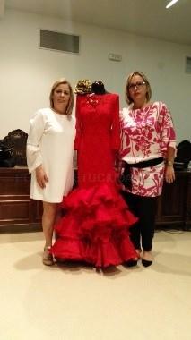 La Línea:  Dos firmas comerciales optan al concurso de trajes de las damas juveniles e infantiles de la feria