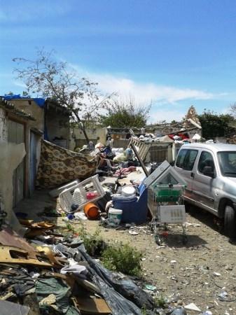 La Lïnea:  Urbanismo mantiene expedientes abiertos contra los propietarios de solares y patios de la calle San Pedro por su deficiente estado de conse